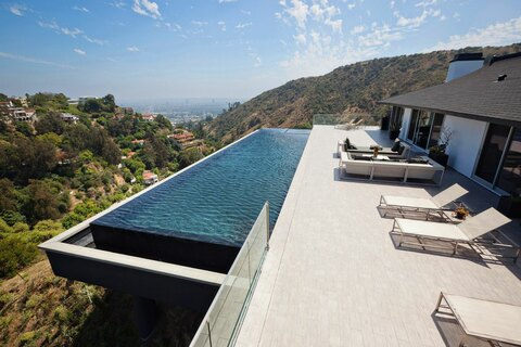 Infintity Pool extended off deck on hillside